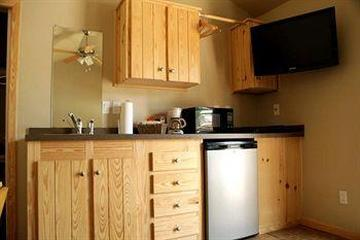 Pet Friendly Hill Country Cottage and RV Resort