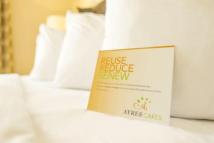 Pet Friendly Ayres Hotel Redlands
