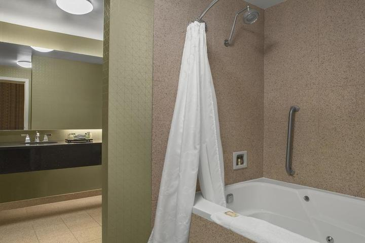 Pet Friendly Sheraton Suites Akron Cuyahoga Falls