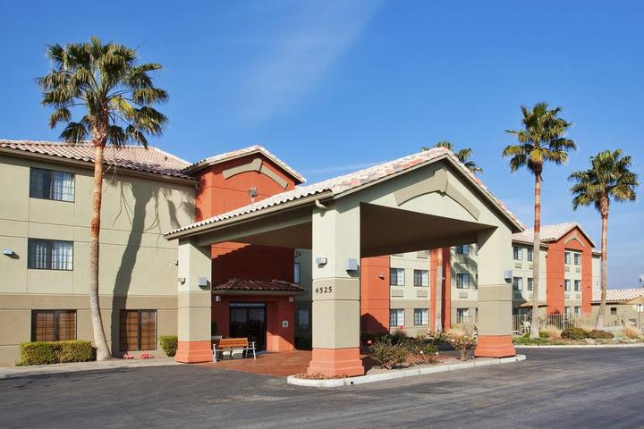 Pet Friendly Holiday Inn Express Westley North Patterson