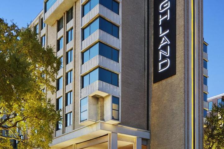 Pet Friendly Hotels in Dallas, TX - Bring Fido