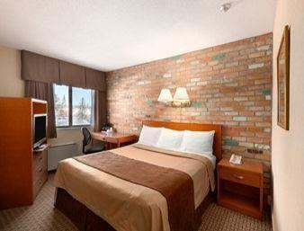 Dog Friendly Hotels Thunder Bay