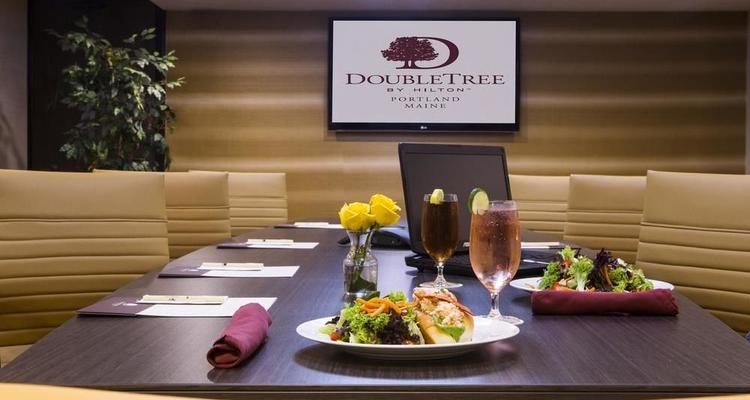 Doubletree by Hilton Portland Pet Policy