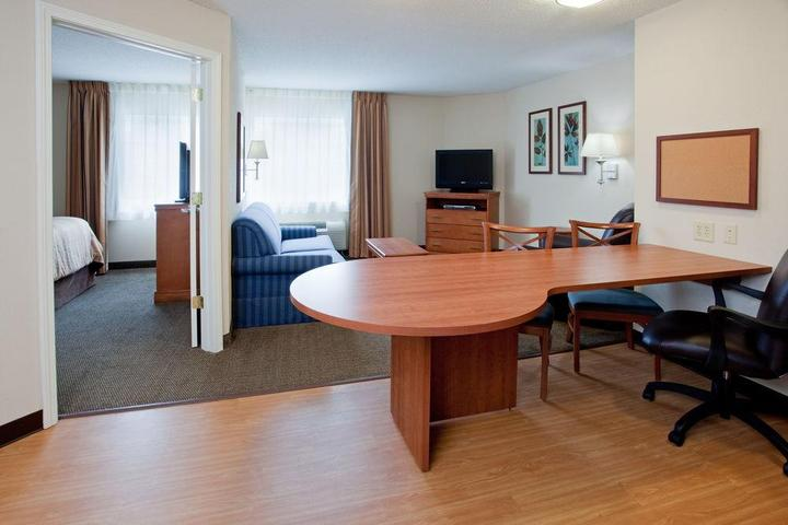 Pet Friendly Hotels In Colonial Heights Va Bringfido