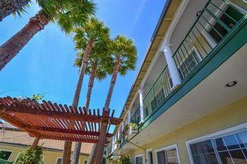 Pet Friendly Bay Front Inn Santa Cruz
