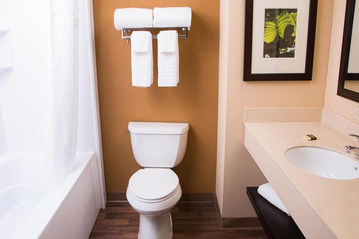 Pet Friendly Extended Stay America Chicago Woodfield Mall