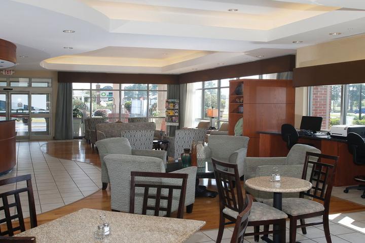 Pet Friendly Holiday Inn Express Leland Wilmington