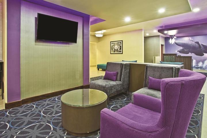 Pet Friendly La Quinta Inn & Suites Fairborn