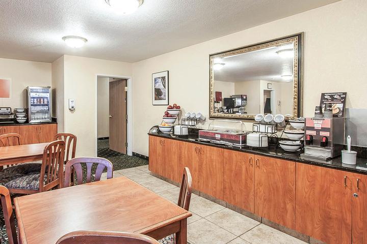 Pet Friendly Comfort Inn & Suites Tualatin