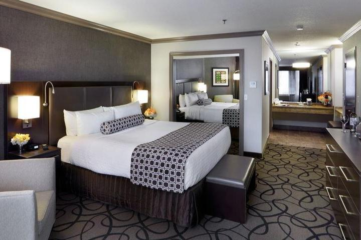 Pet Friendly The Verve Boston Natick, Tapestry Collection by Hilton