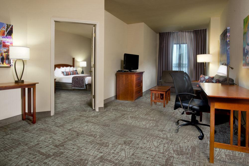 Staybridge suites new orleans french quarter pet policy - Suites in new orleans with 2 bedrooms ...