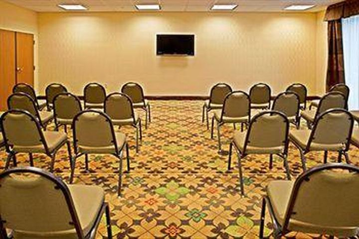 Pet Friendly Holiday Inn Express Hotel & Suites Palm Bay