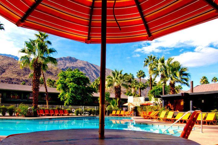 Pet Friendly Caliente Tropics Resort