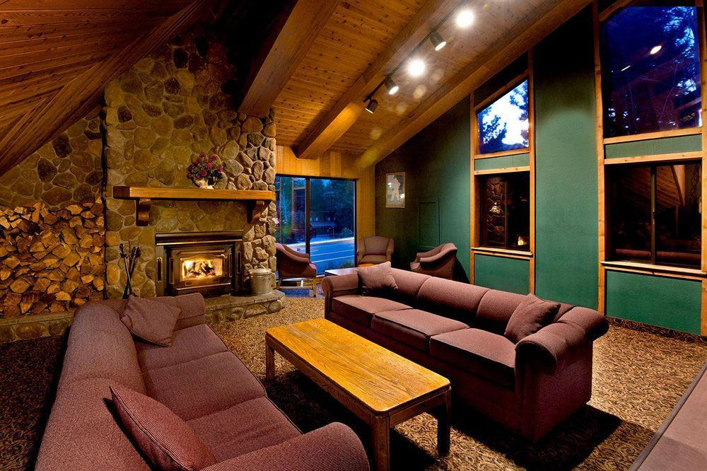 Sierra lodge pet policy for Mammoth mountain cabins pet friendly