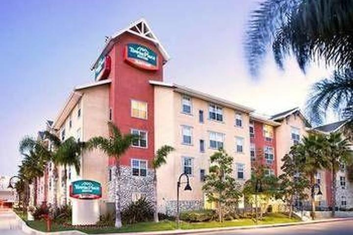Pet Friendly TownePlace Suites LAX Manhattan Beach