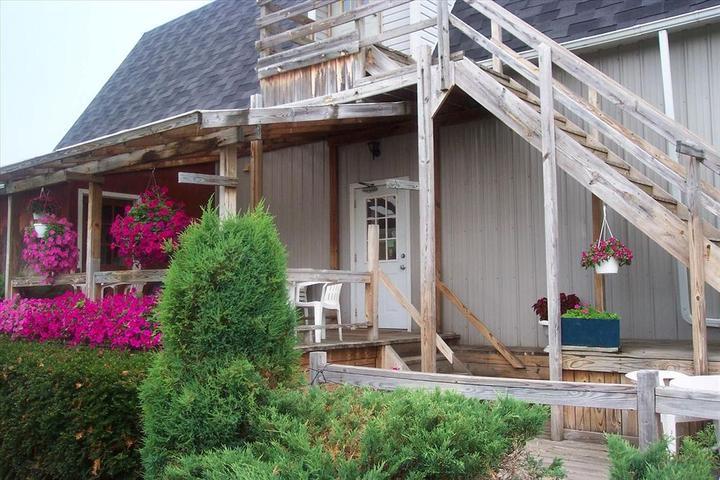 Pet Friendly Lake Ontario Motel Newfane
