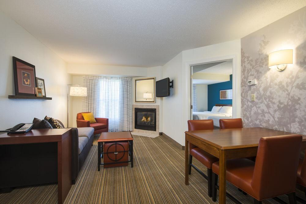 Residence inn by marriott williamsburg pet policy for 2 bedroom hotel suites in richmond va