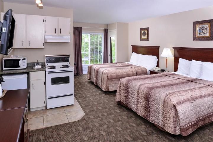 Pet Friendly Canadas Best Value Inn & Suites