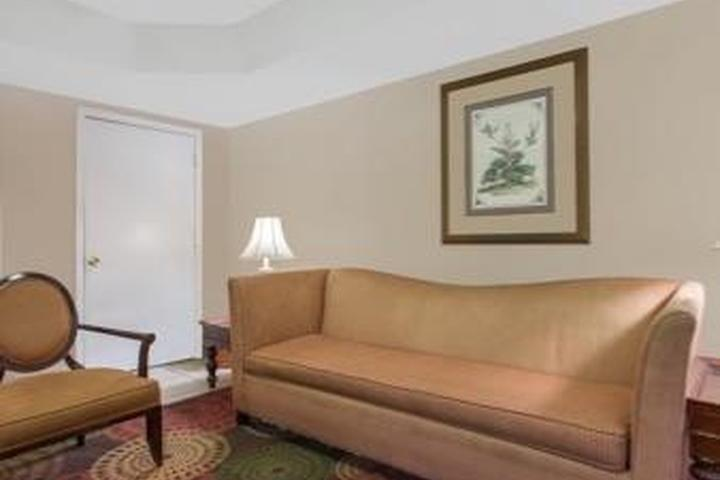 Pet Friendly Super 8 Antioch Nashville South East