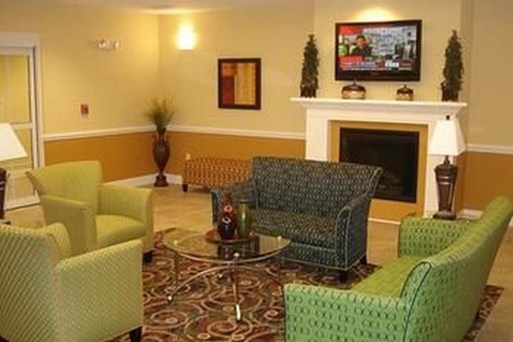Pet Friendly La Quinta Inn & Suites North Mobile Satsuma