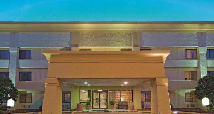 La Quinta Inn & Suites Meridian Pet Policy
