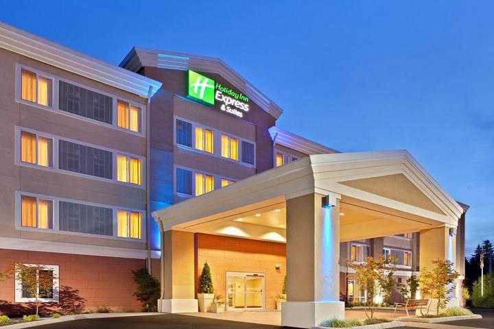 Pet Friendly Holiday Inn Express Hotel & Suites Marysville