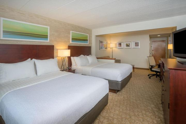 Pet Friendly Holiday Inn Baltimore BWI Airport