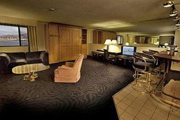 Pet Friendly Hotels In Sparks Nv Bring Fido