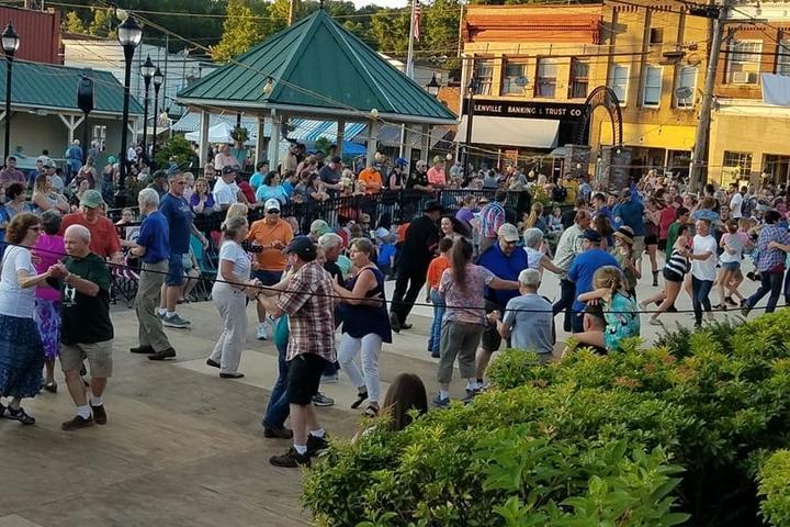 Pet Friendly West Virginia State Folk Festival
