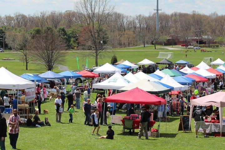 Pet Friendly South Windsor Paws in the Park (Food and Craft Festival)