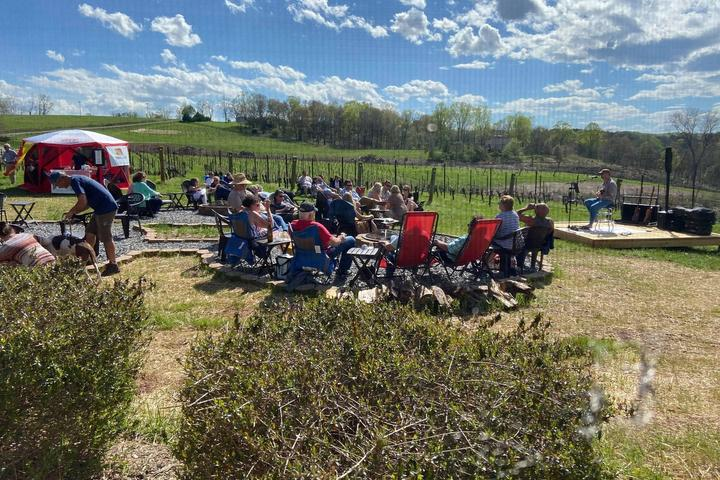 Pet Friendly Father's Day Weekend at Golden Road Vineyards