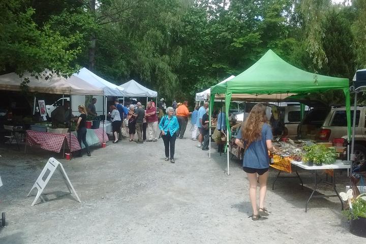 Pet Friendly Flat Rock Farmers Market