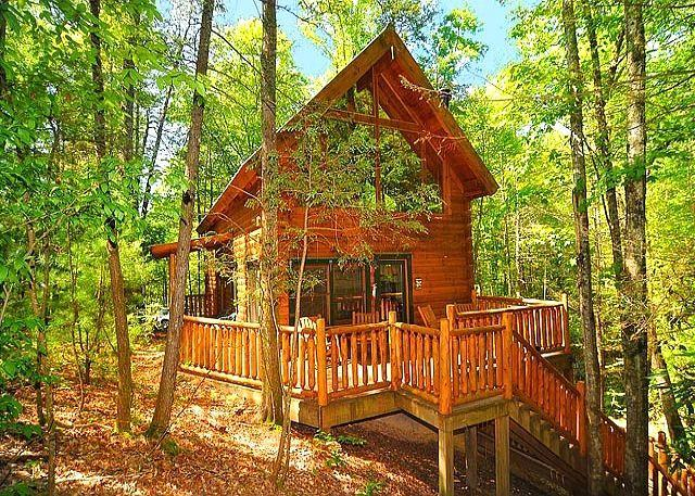 Creekside oasis pet policy for 2 bedroom log cabin with loft