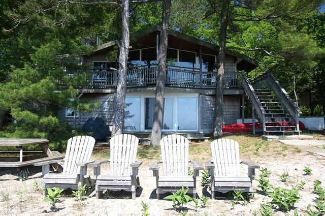 Sandy Pines Beach Cottage 704 Pet Policy