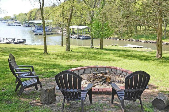 Pet Friendly Parker Lake House Ohl