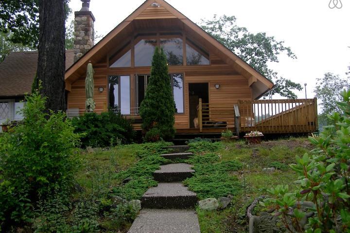 Pet Friendly Mountain Lakes Airbnb Rentals