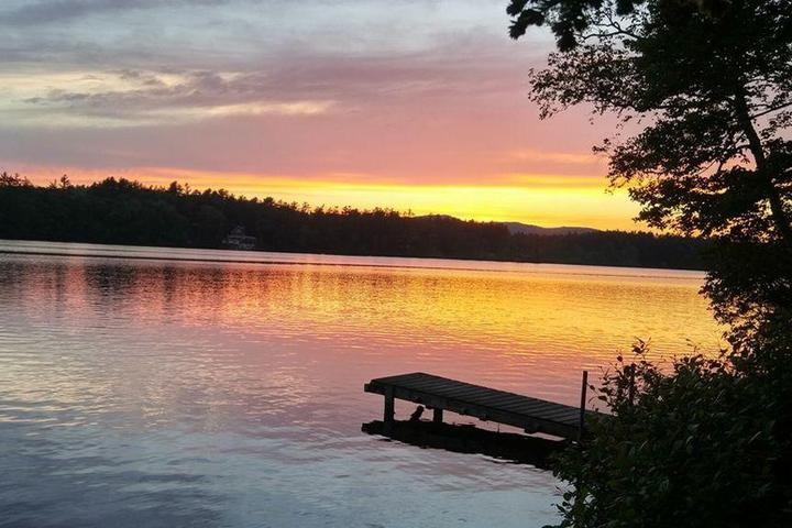 Pet Friendly 2-Bedroom Cottage on the Lake