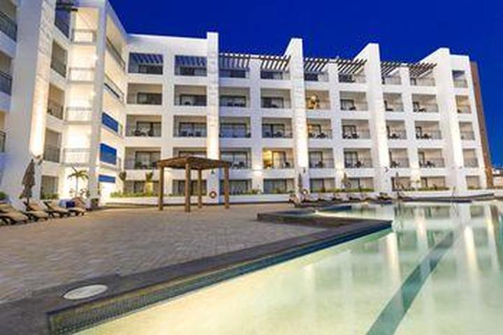 Pet Friendly Medano Hotel and Suites