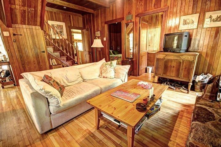 Pet Friendly Prevost Airbnb Rentals