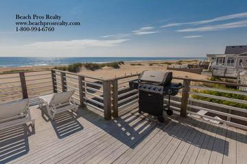 Pet Friendly 7 Bedroom Beach House with Pool