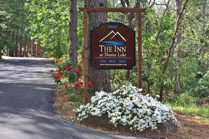 Pet Friendly The Inn at Shasta Lake