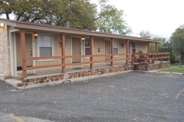 Pet Friendly Canyon Springs Country Lodge