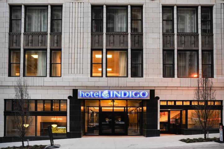 Pet Friendly Hotel Indigo Kansas City Downtown