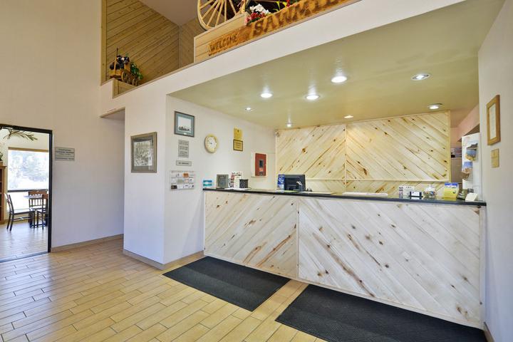 Pet Friendly Best Western Sawmill Inn