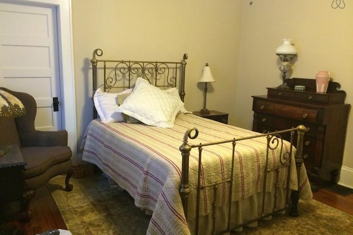 Pet Friendly Salisbury Airbnb Rentals