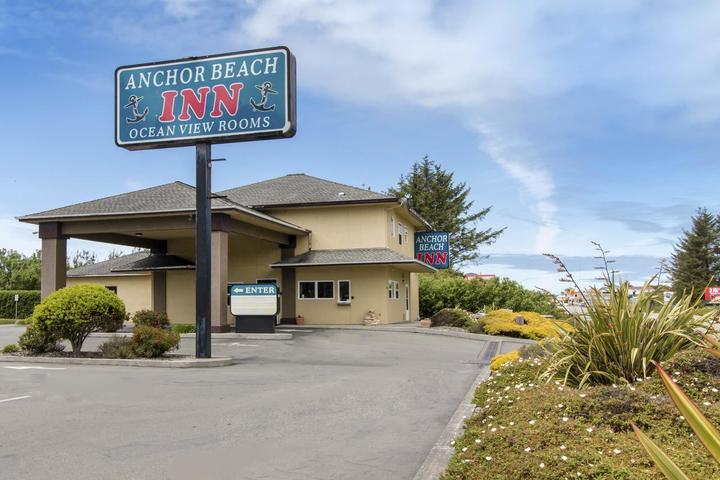 Pet Friendly Anchor Beach Inn