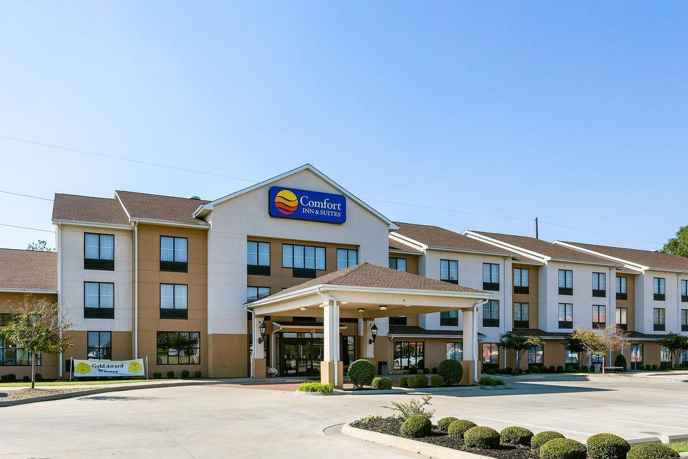 Comfort Inn Amp Suites Pet Policy