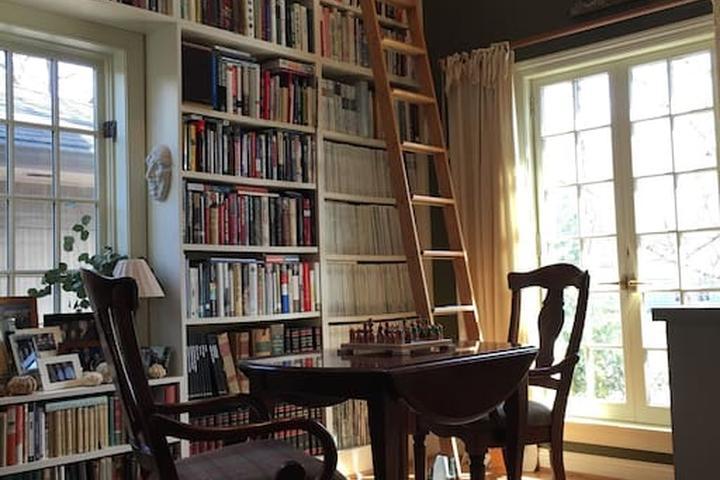 Pet Friendly Bloomington Airbnb Rentals