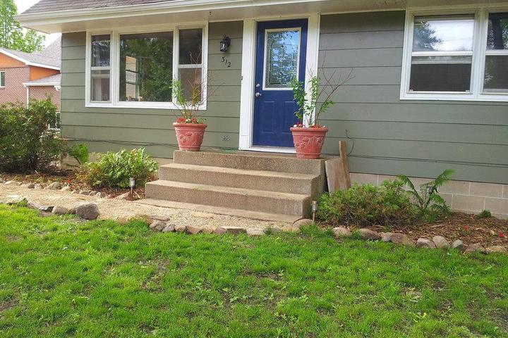 Pet Friendly Lakeville Airbnb Rentals