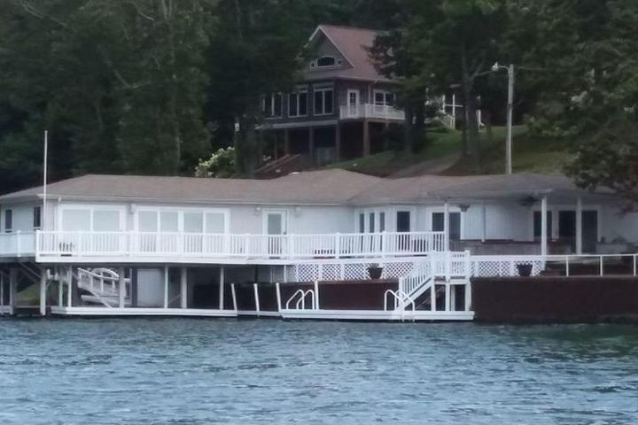 Pet Friendly Wilson Lake House